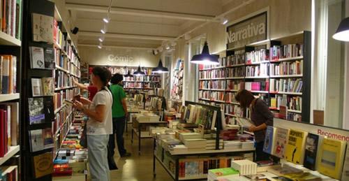 La industria editorial en España recorta la oferta de libros con respecto a 2013